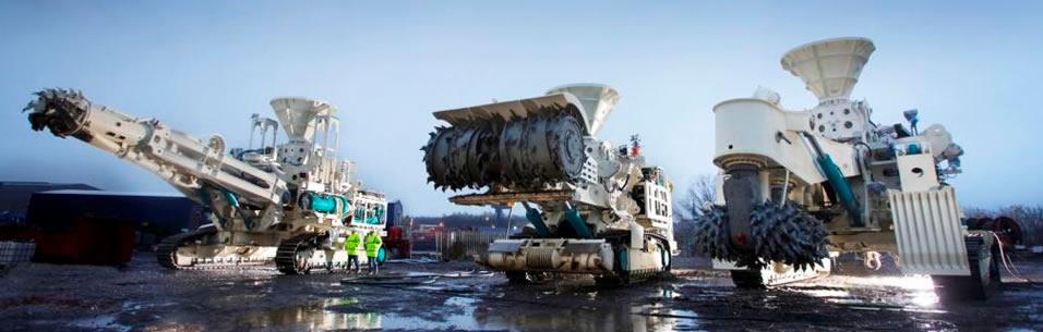 Trois machines d'extraction de Nautilus Minerals... ça me fait penser à Transformers. Source: http://www.nautilusminerals.com/IRM/content/default.aspx